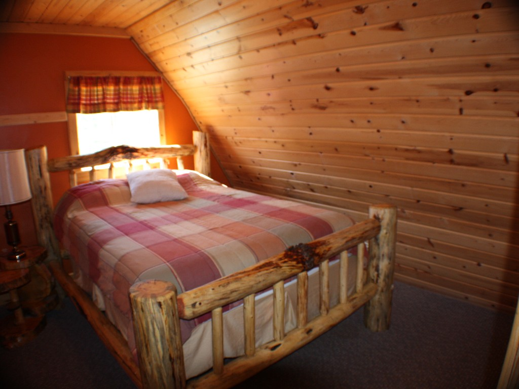 Forest edge house montana cabins montana cabin rentals for West yellowstone cabins