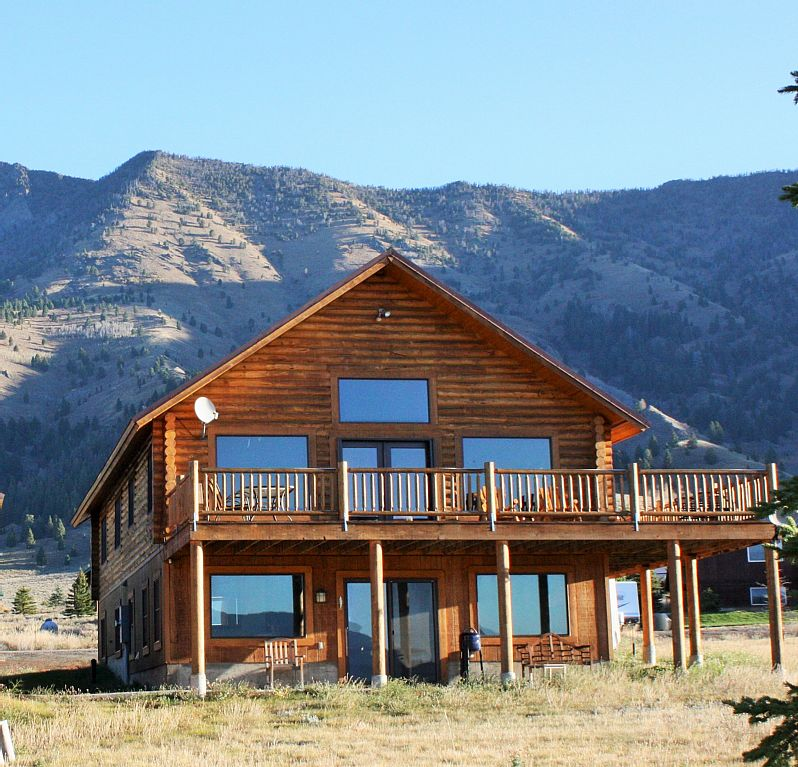 Elk lake lodge montana cabins montana cabin rentals in for Cabins near yellowstone west entrance